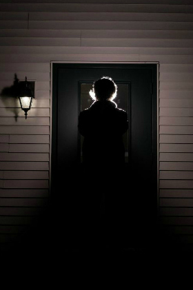 scary-door2c