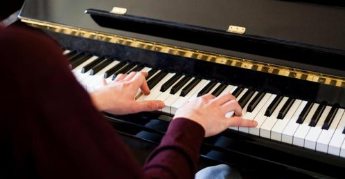play-piano-both-hands